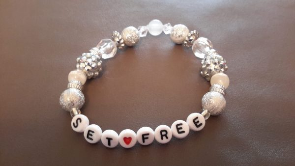 Roll-On White And Silver SET FREE Bracelet