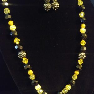 Breezy Slip On Women Black And Yellow Necklace