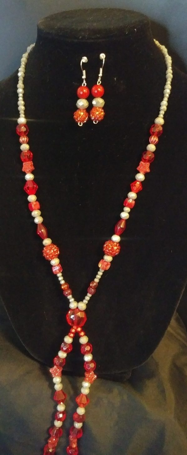 Breezy Slip On Women Red And Grey Bow Tie Necklace