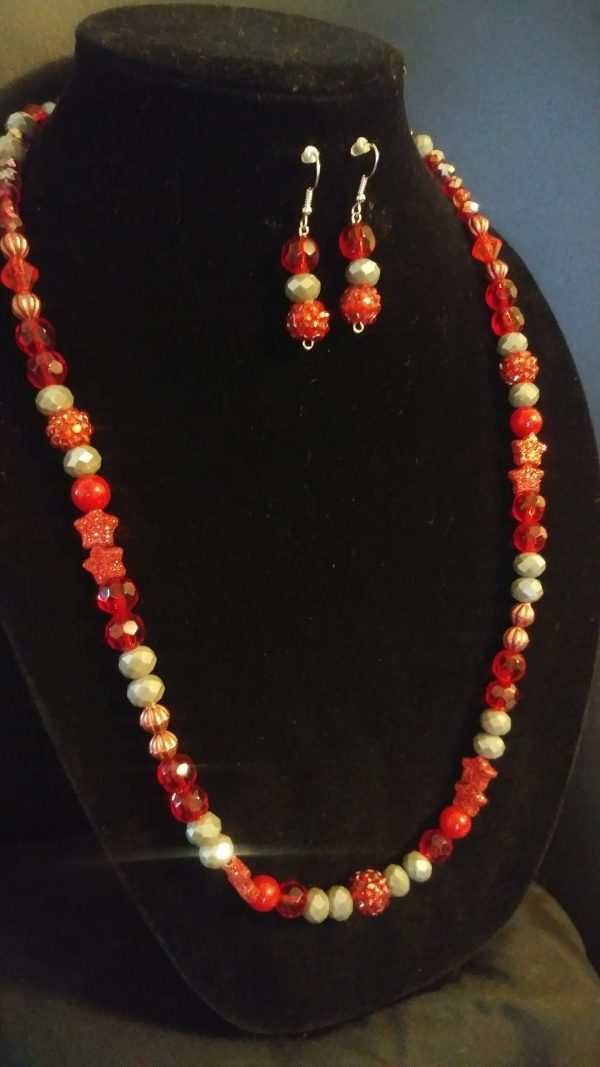 Breezy Slip On Women Red And Grey Necklace