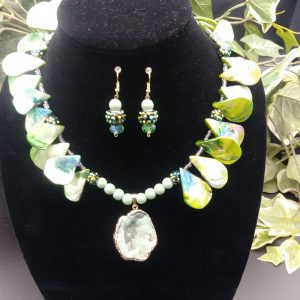 Wisdom necklace and earring set