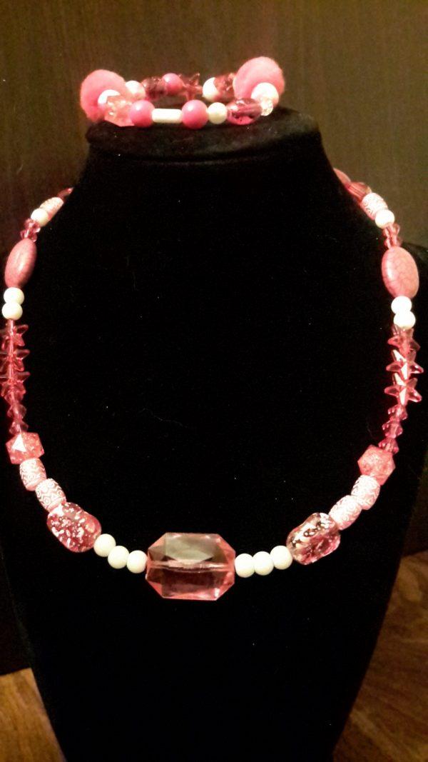 Fushia And White Beaded Necklace Set